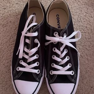 black converse. never worn